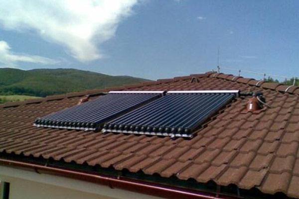 别墅分体太阳能维修